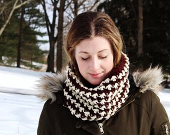 Burgundy and Cream Textured Cowl // Winter Cowl // Crochet Cowl // Gift for Her