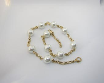 Modern pearlchain, faux pearl necklace, gold ivory silver, limited edition, elegant necklace, modern necklace, handmade jewelry,