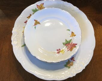 Vintage Walbrzych Poland China / Autumn Leaves Pattern / 4 Dinner Plates and 4 Luncheon Plates / circa 1960's