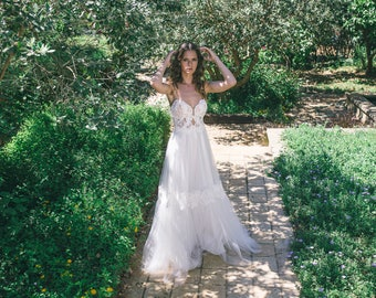 Bohemian Wedding Dress, Boho Wedding Dress,  Backless Wedding Dress, Vintage Wedding Dress, Tulle Wedding Dress