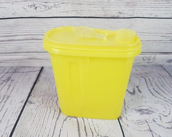 Vintage 70s Tupperware Yellow Junior Cereal Keeper Small Storage Container Dry Storage Lid with Pour Spout Camping Pantry Retro Picnic Mod