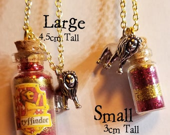 Griffindor Glitter Jar Long Necklace