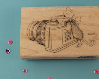 Stampendous Say Cheese Mouse Camera Photographer Wooden Rubber Stamp House Mouse Designs HMP31