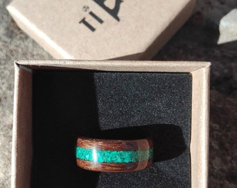 Bentwood Bentwood Ring Walnut insert Malachite ring