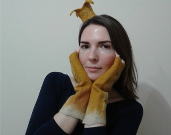 Unique felted warm mitts from wool of mustard color for the woman, designer accessory for the woman