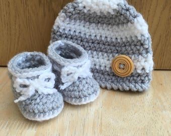 Baby hat and bootie set, newborn hat and bootie set, Boys beanie hat,  Boys booties,  girls baby hat, baby shower gift, baby gift