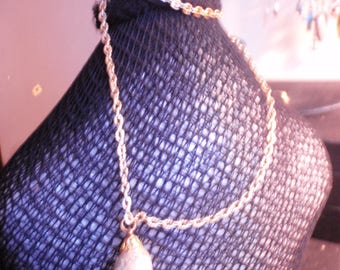 Vintage gold ladies necklace 1960s hong kong stamped quality conch