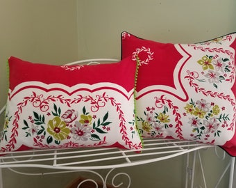 Vintage  Red/Green Floral Christmas Pillow cover
