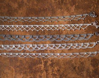 White metal Indian Gypsy Anklet / Chaine de Pieds indienne en metal blanc boho style bracelet de cheville tribal ethnic jewelry summer beach