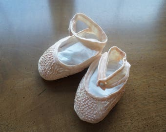 Vintage Pair of Hand-Stitched Baby Girl Pink Infant Slipper Shoes or Booties.