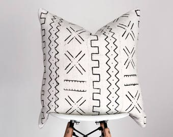 20 x 20 White with Black Design Authentic African Mud Cloth Pillow Cover, Baule Pillow Cover, Boho Pillow Cover