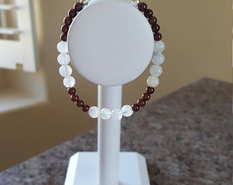 "7"" 4 mm Garnet & 6 mm Moonstone Bracelet w/925 Sterling"
