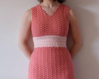 DUTCH PATTERN haakpatroon pdf mouwloze jurk in waaiersteek met tailleband voor dames haken / kledij haken roze zomerjurk makkelijk patroon