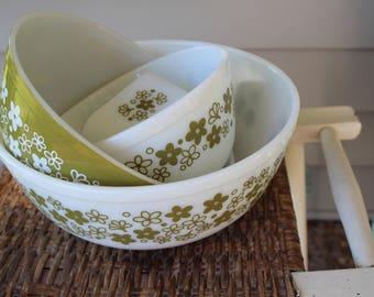 Pyrex Nesting Mixing Bowls Set Vintage Spring Blossom Crazy Daisy Avocado Green - 402, 403, 404