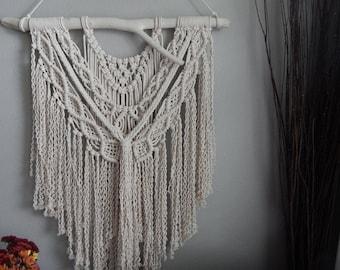 how to make large macrame wall hanging
