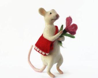 Needle felt mouse Mice realistic white  Mouse sculpture wool Needle felt animal Mouse miniature Wool felt mouse Felt toys figurines doll