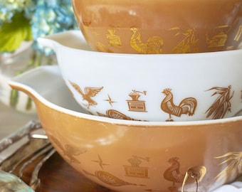 EARLY AMERICAN PYREX - 1962 Cinderella 3pc. Nesting Set of Classic Mixing Bowls