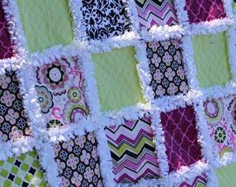 Modern Throw rag quilt, in pink burgandy black and  green, Minky lap blanket