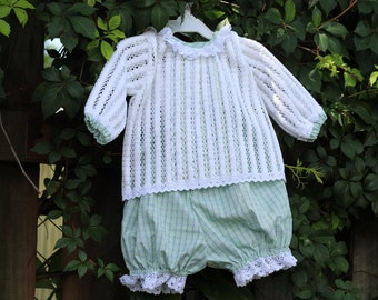 Set of baby with knit Cardigan white openwork and bombache squares Green