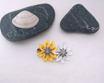 2 simple yellow and white kanzashi flower hair clip.