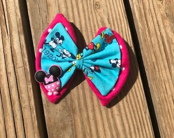Hair Bow: Minnie Mouse