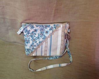 Spring tote bag light blue and cream.