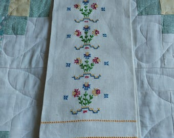Cream Tea Towel Tablerunner with Embroidery Design and Yellow Trim