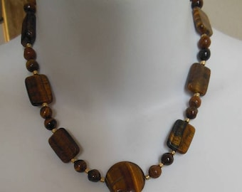 Tottaveronika Design Jewelry  short Tiger-Eye necklace and earrings, square and round beads, shiny look