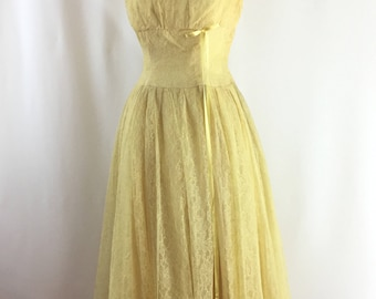Vintage 1950s Dress | 50s Party Dress | paper flower| Custom Flower girl dress | Shelf Bust XS/ SM | Flower Girl Dress| 50s vintage dress