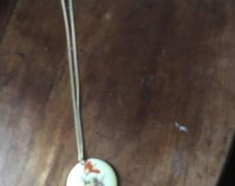 Vintage flower pendant necklace