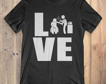 Physical Therapist T-Shirt Gift: Love Physical Therapist