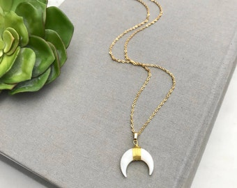 White Crescent Moon Necklace 14k Gold Shell Crescent Necklace Wire Wrapped White Double Horn Pendant Necklace Bohemian BOHO Moon Necklace