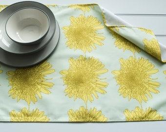 Tea Towel Made from 100% Cotton in Leucanthemum Lemon Pattern