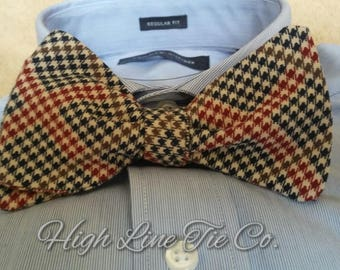 Churchill style self-tie bow tie