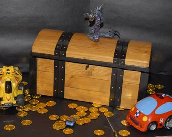Wooden chest, the treasure chest, trunk, box, toy chest