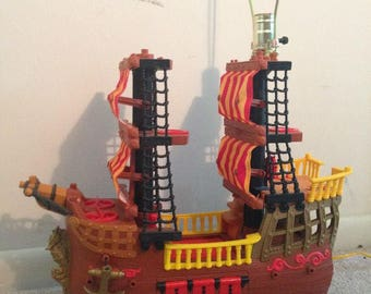 The Pirate Ship Lamp