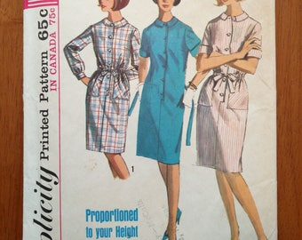 Vintage 1960s sewing pattern: Simplicity 5878 (Size 16)