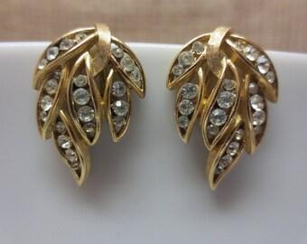 Elegant Vintage Trifari Gold Tone & Clear Rhinestone Clip on Leaves Shaped Earrings