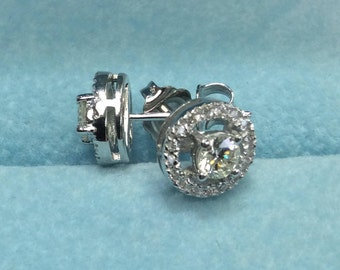 Diamond Halo Earrnings