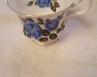 Royal Albert moonlight rose