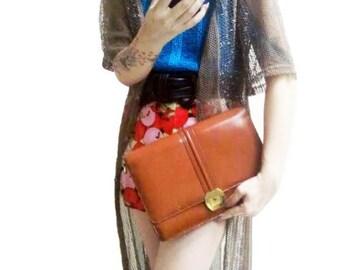Fiber Street VINTAGE! classic 70s  beautiful  details vintage leather bag