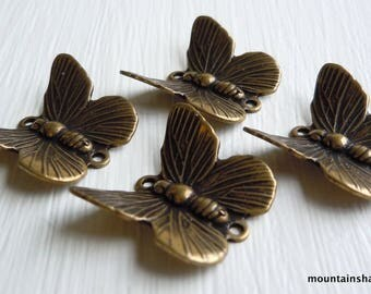 4 Brass 2 Ring Butterfly In Flight Connector Antique Brass (G - 688)