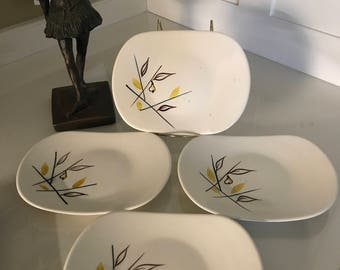 Snack plates with abstract pear design