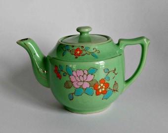 Green Tea Pot / Floral Tea Pot / Vintage Kitchen Decor / Cottage Home Decor / Tea Lover Gift / Retro Kitchen / Made in Japan / Tea for Two