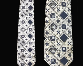 Vintage Tie, 1970's, Wide, Black and White Print, Polyester, Mod, Disco