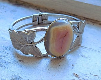 FREE SHIPPING Vintage Agate Silvertone Clamper Bracelet