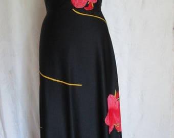 M- Red Hibiscus Maxi Halter Vintage 1970s Summer  Disco  Dress Hawaiian
