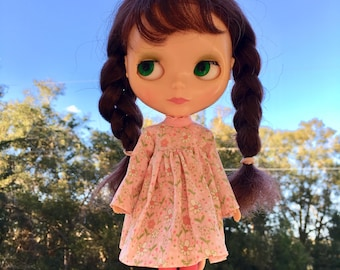 Dainty Pink Flower Long Sleeved Blythe Doll Dress