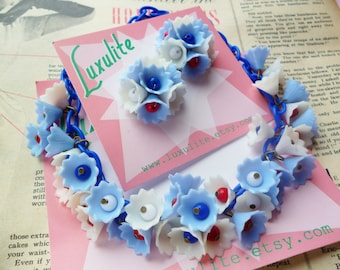 LAST ONE! Red white and Blue Blossom... 1940s 50s vintage style dainty flowers necklace handmade by Luxulite