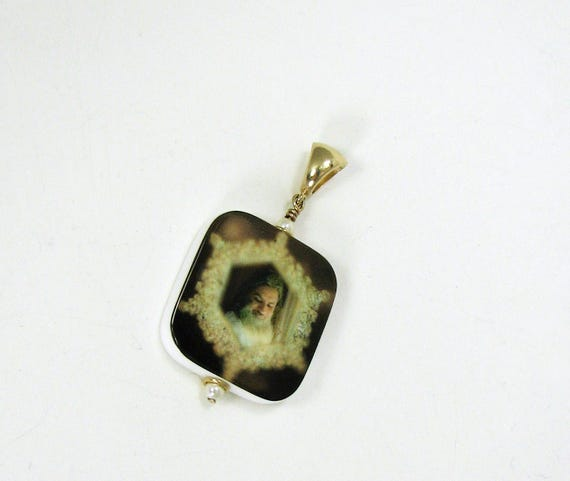 Photo Jewelry - 14K Gold Edition Photo Pendant - Medium